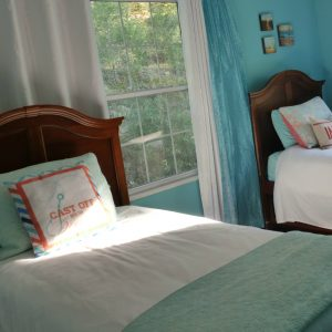 Karis Cottage Twin Bedroom